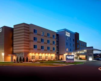 Fairfield Inn & Suites by Marriott Columbus, IN - Колумбус - Building