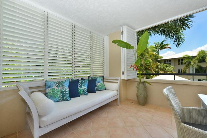 Cayman Villas - Port Douglas - Balcony