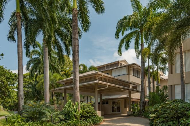 Cayman Villas - Port Douglas - Building