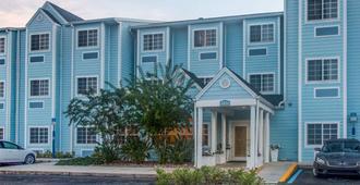 Microtel Inn & Suites by Wyndham Port Charlotte - Форт-Шарлотт