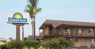 Days Inn San Bernardino Near San Manuel Casino - סן ברנרדינו