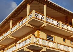 Sunburst Apartments - Arnos Vale - Edificio