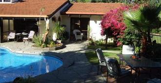 Waters Edge Bed & Breakfast - Kaitaia