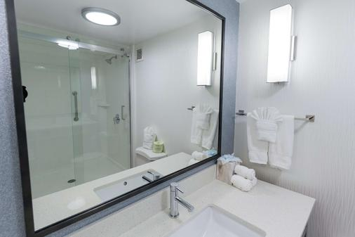 Hilton Garden Inn Atlanta Northpoint - Alpharetta - Bathroom