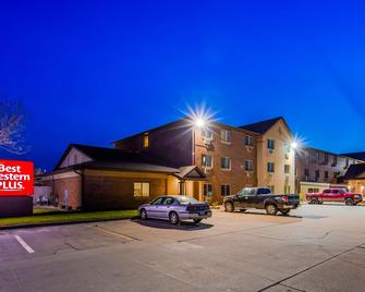 Best Western Plus Altoona Inn - Altoona - Building