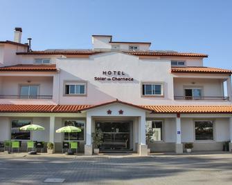 Hotel Solar da Charneca - Leiria - Gebouw