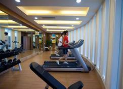 Zhuhai Charming Holiday Hotel - Zhuhai - Fitnessbereich