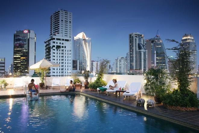 Best Comfort Residential Hotel - Banguecoque - Piscina