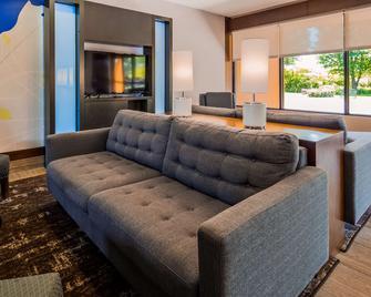 Best Western Dunkirk & Fredonia Inn - Dunkirk - Living room