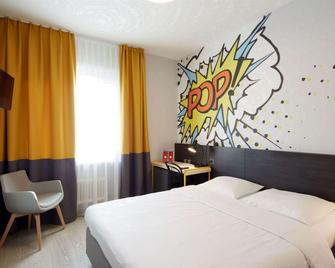 Hotel Crystal - Lausanne - Bedroom
