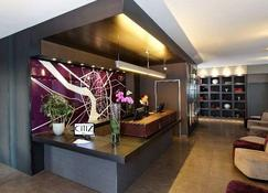 Citiz Hotel - Toulouse - Receptionist