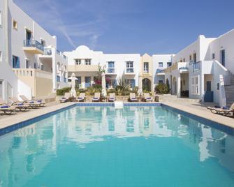 Kouros Village - Antiparos - Pool