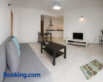 Pix Apartments - Madalena - Living room