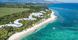 Victoria Beachcomber Resort & Spa - Pointe aux Piments - Playa