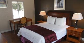 Hi-Way Host Motel - Pasadena - Bedroom