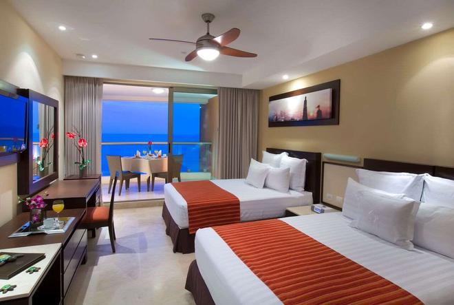 Sunset Plaza Beach Resort & Spa - Puerto Vallarta - Bedroom