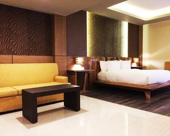 The Sya Regency Palu By Soasia - Palu - Bedroom