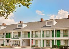 Days Inn by Wyndham Spartanburg - Spartanburg - Rakennus