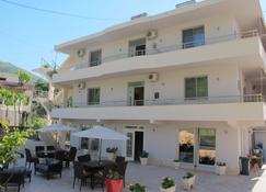 Hotel Nika - Vlorë - Gebouw