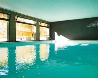Résidence Lagrange Vacances Le Pic De L'ours - Font-Romeu-Odeillo-Via - Pool