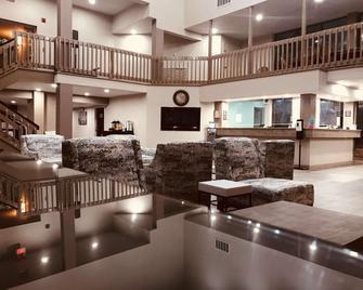 SureStay Plus Hotel by Best Western Greenwood - Greenwood - Лоббі