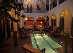 Riad Utopia Suites & Spa - Marrakesh - Bể bơi