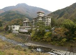 Shimobe Hotel - Yamanashi - Widok na zewnątrz