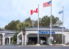 Days Inn by Wyndham Walterboro - Walterboro - Building