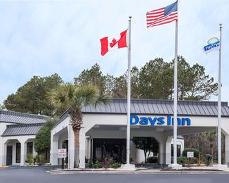 Days Inn by Wyndham Walterboro - Walterboro - Gebouw