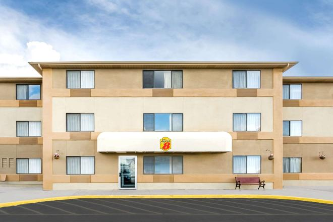Super 8 by Wyndham Cedar City - Cedar City - Rakennus