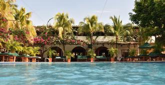 Hotel Mariscal Robledo - Santa Fe de Antioquia - Piscina