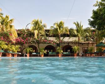 Hotel Mariscal Robledo - Santa Fe de Antioquia - Pool