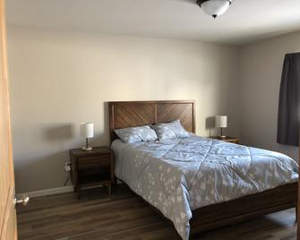 Mountain Views From Brand New Property In Quiet Neighborhood!!! - Valdez