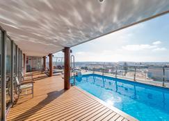 Artiem Capri - Mahón - Pool