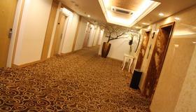 All Sedayu Hotel Kelapa Gading - Jakarta - Hallway