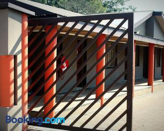 Grand Central Guesthouse - Rustenburg - Building