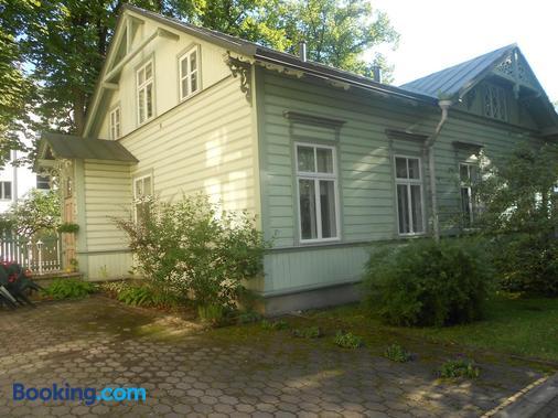 Poska Villa Guesthouse - Tallinn - Building