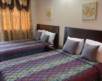 Golden Gates Inn - Basseterre - Bedroom