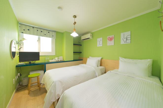 酒店通東大門店 - 首爾 - 臥室