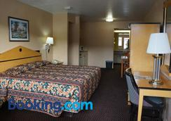 Delux Inn Tulsa - Tulsa - Bedroom