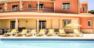 Albufeira Lounge Guesthouse Hostel - אלבופרה - בניין