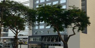 Dazzler by Wyndham Lima Miraflores - Lima - Edificio