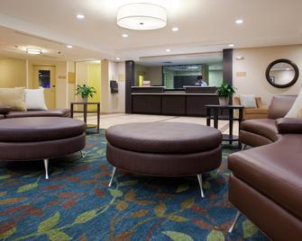 Candlewood Suites Carrollton - Carrollton - Lobby