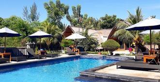 Sandy Beach Bungalows - Pemenang - Pool