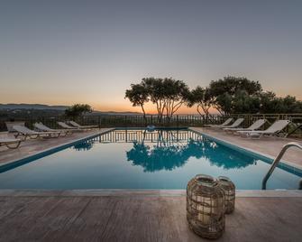 Lofos Soilis - Tragaki - Pool