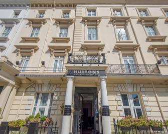 OYO Flagship Huttons Hotel - Londres - Edifício
