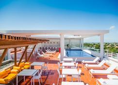 Fiesta Inn & Loft Ciudad del Carmen - Сьюдад-дель-Кармен - Бассейн