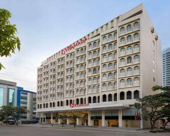 Ramada by Wyndham Colombo - Colombo - Edificio