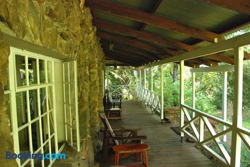 Reilly's Rock Hilltop Lodge - Manzini - Balcony