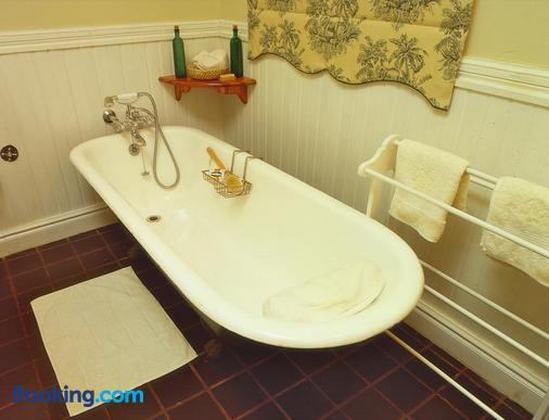 Reilly's Rock Hilltop Lodge - Manzini - Bathroom